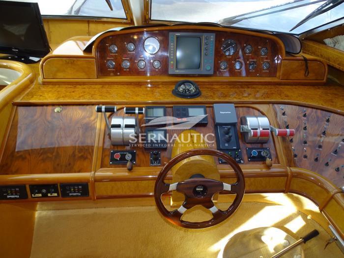 Barco segunda mano Astondoa 68 GLX año 1995 【 OCASIÓN 】