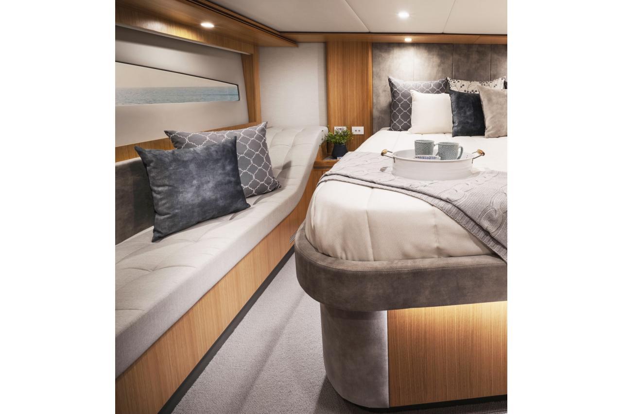 Riviera 5400 Sport Yacht - Precio Riviera 5400 Sport Yacht  【 NUEVO 】